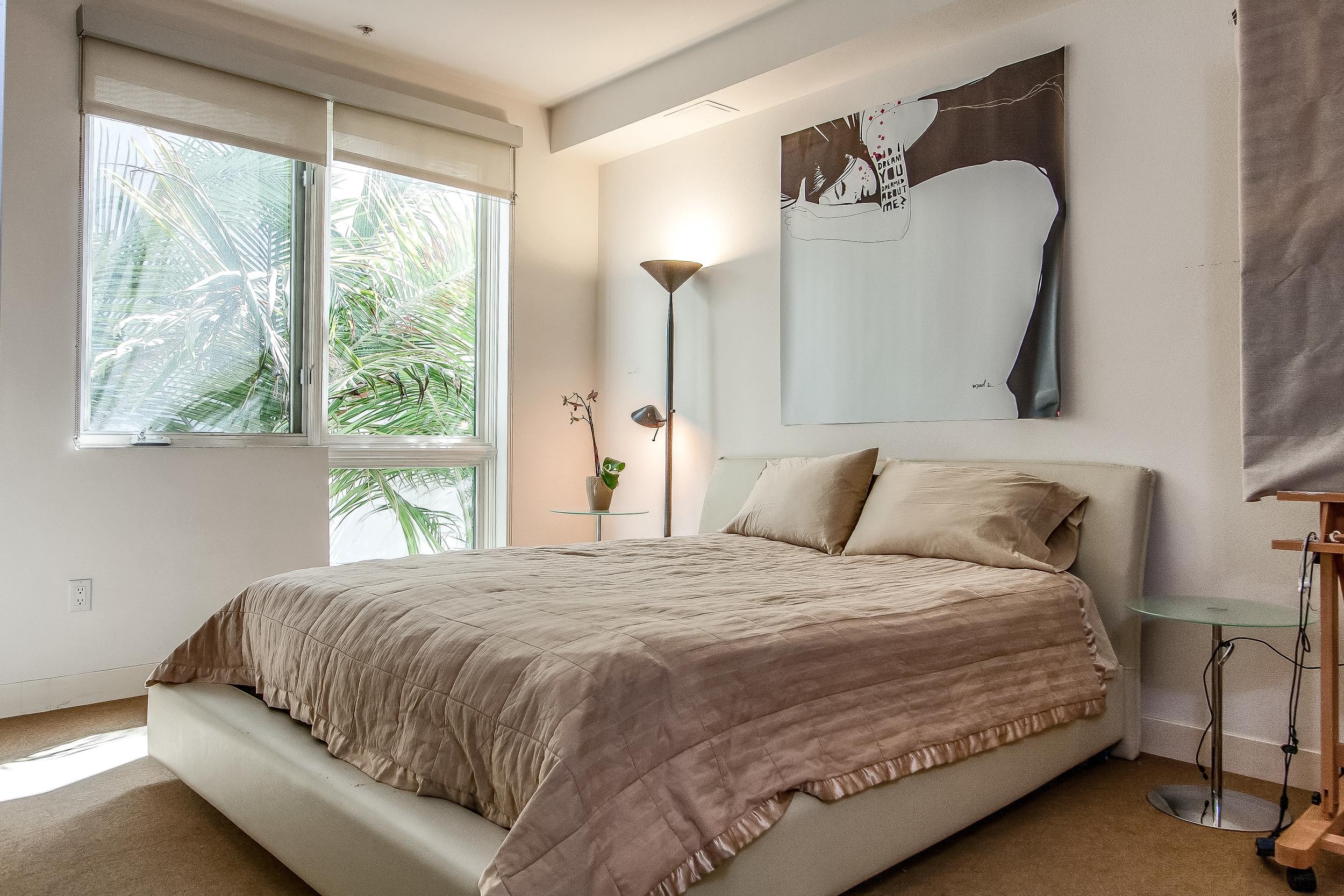 008-Bedroom-637019-large.jpg