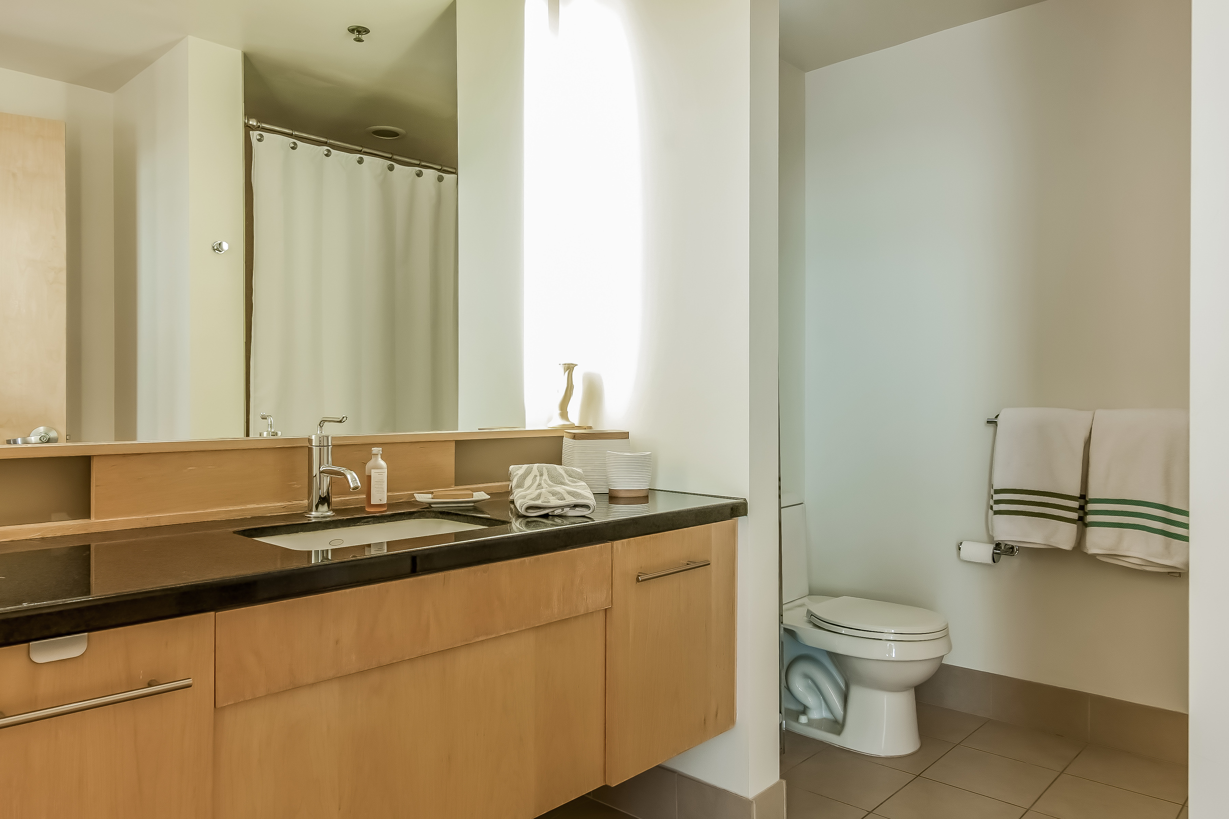 015-Bathroom-910818-large.jpg