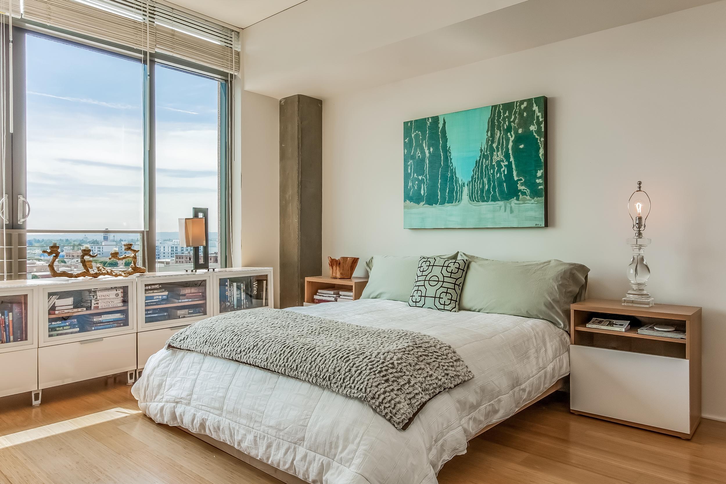 013-Bedroom-910820-large.jpg