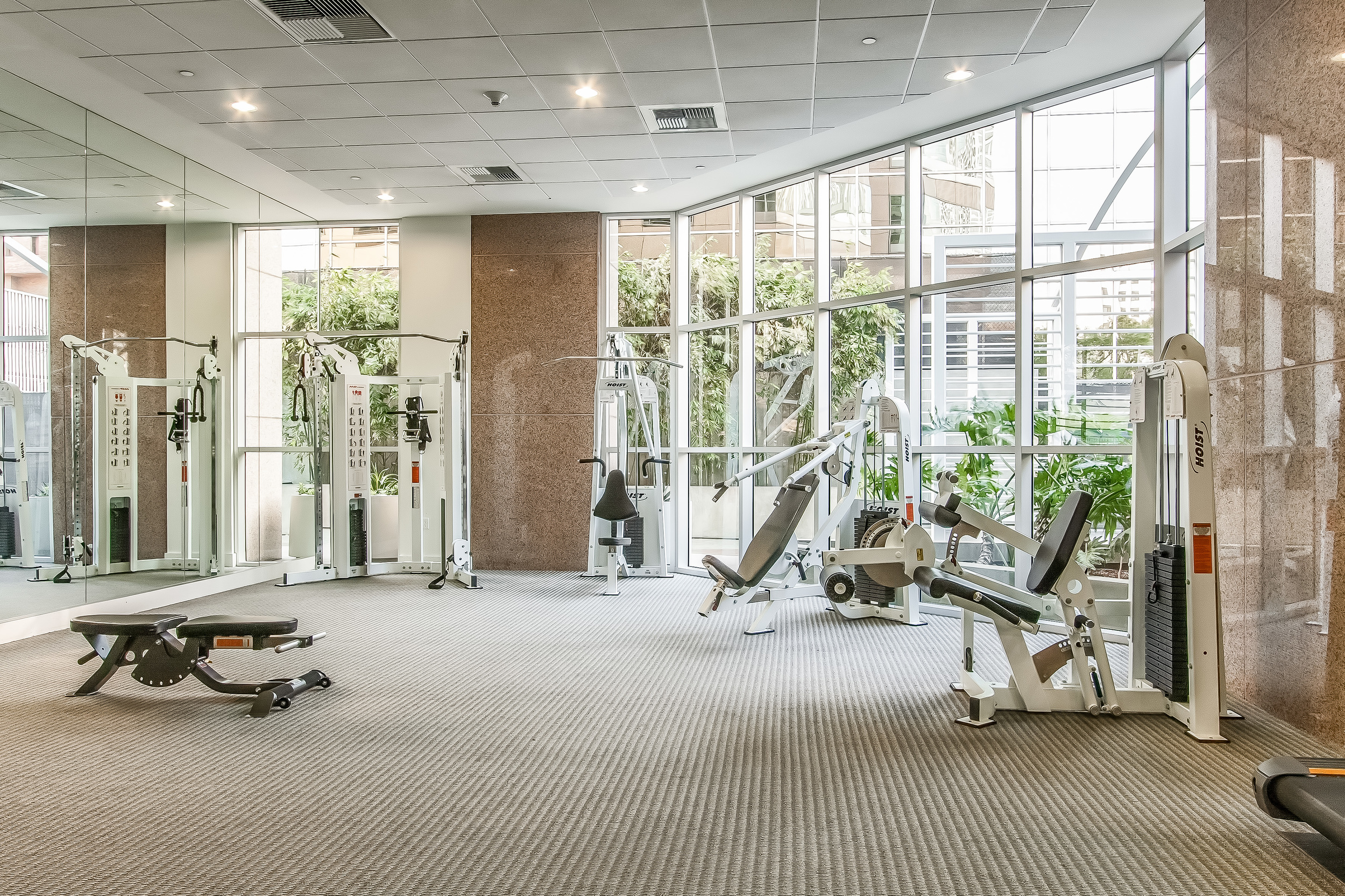 000-Exercise_Room-513527-large.jpg