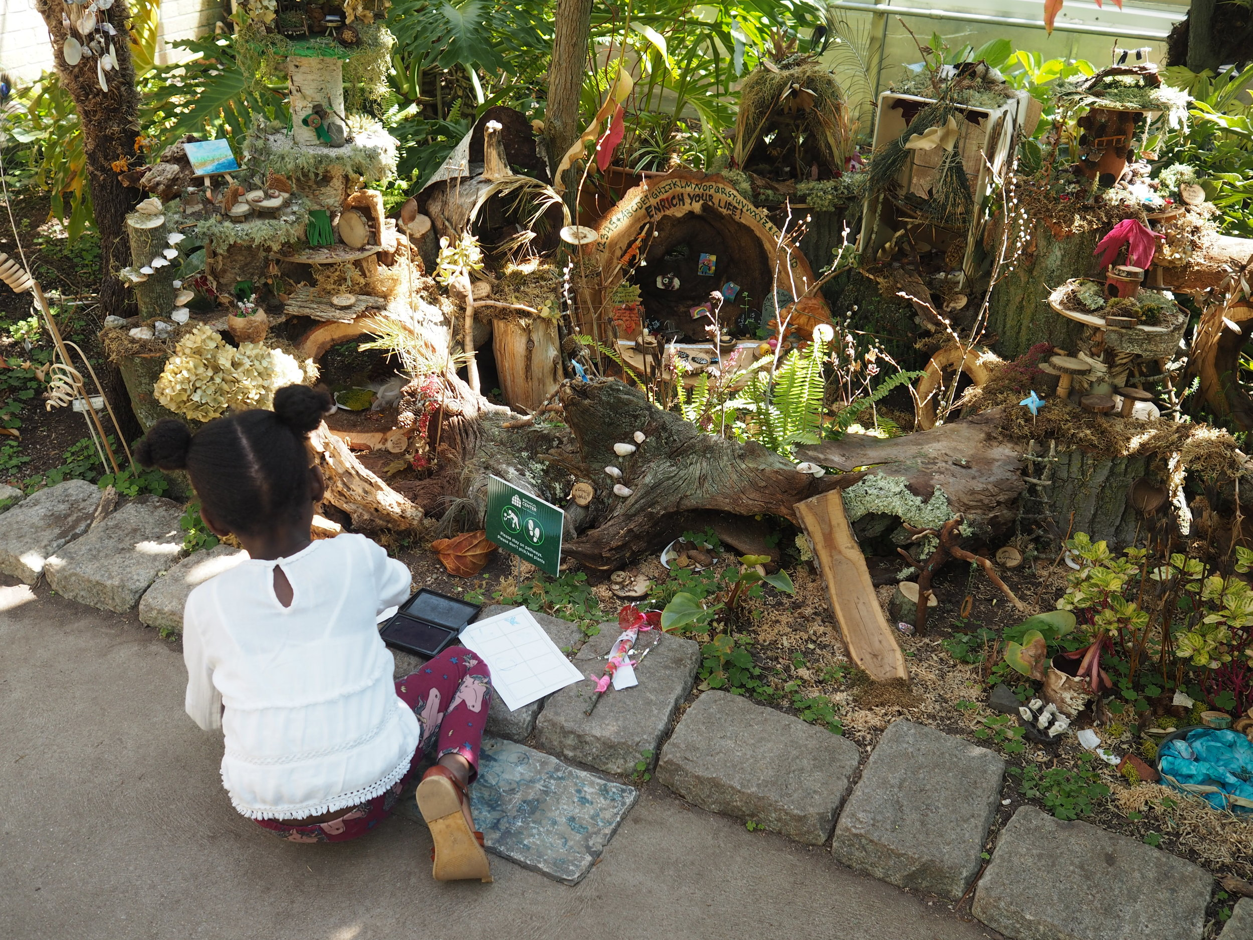 all the fairy houses were made by volunteers! they were all so unique and with such intricate details....i was so inspired!