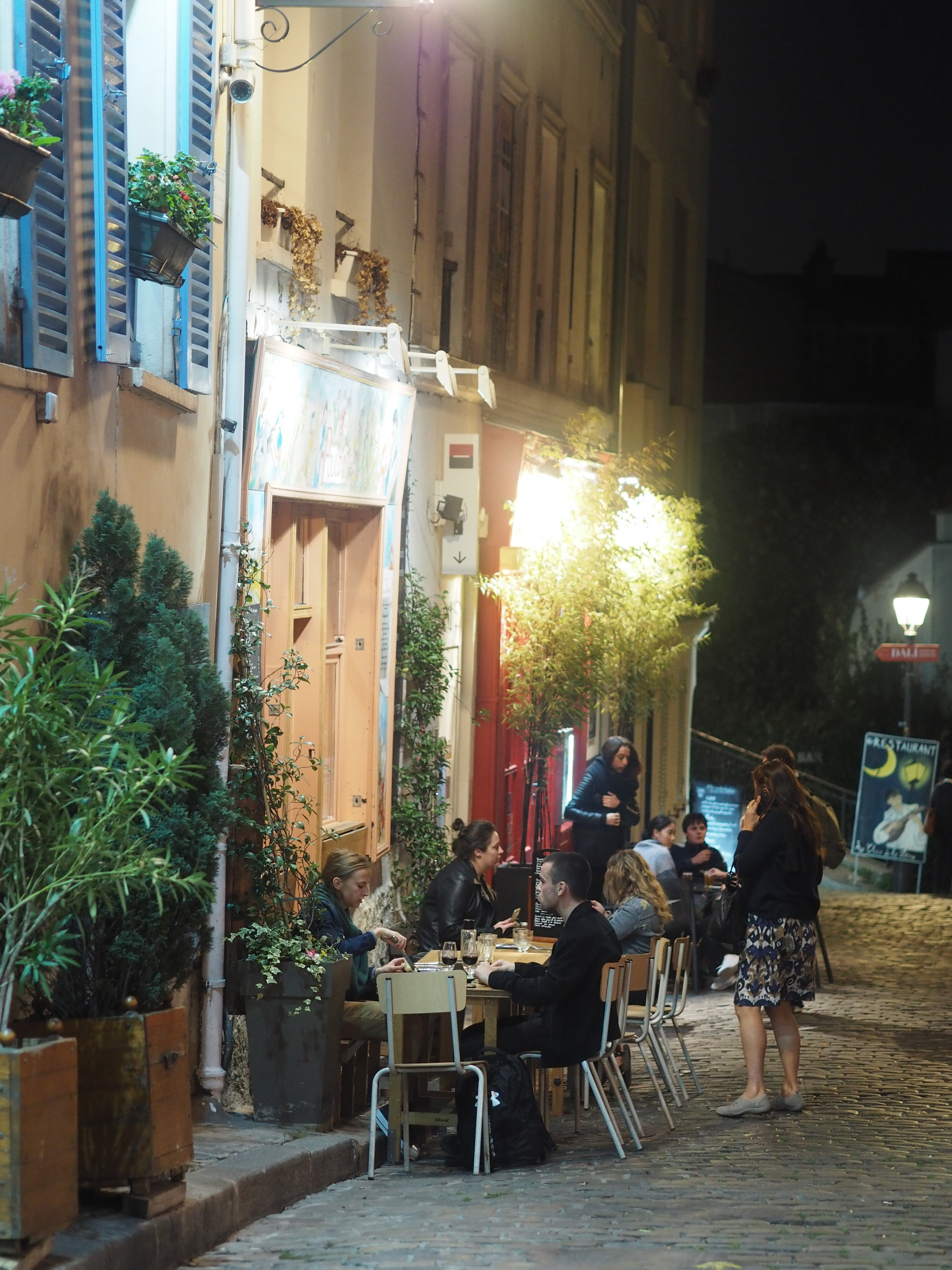 oh tot live in this city and eat dinner in a cafe al fresco daily….