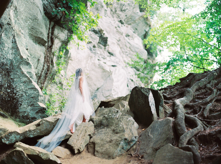Perry-Vaile-Photography-Rebecca-Rose-Creative-Trendy-Bride-1.jpg