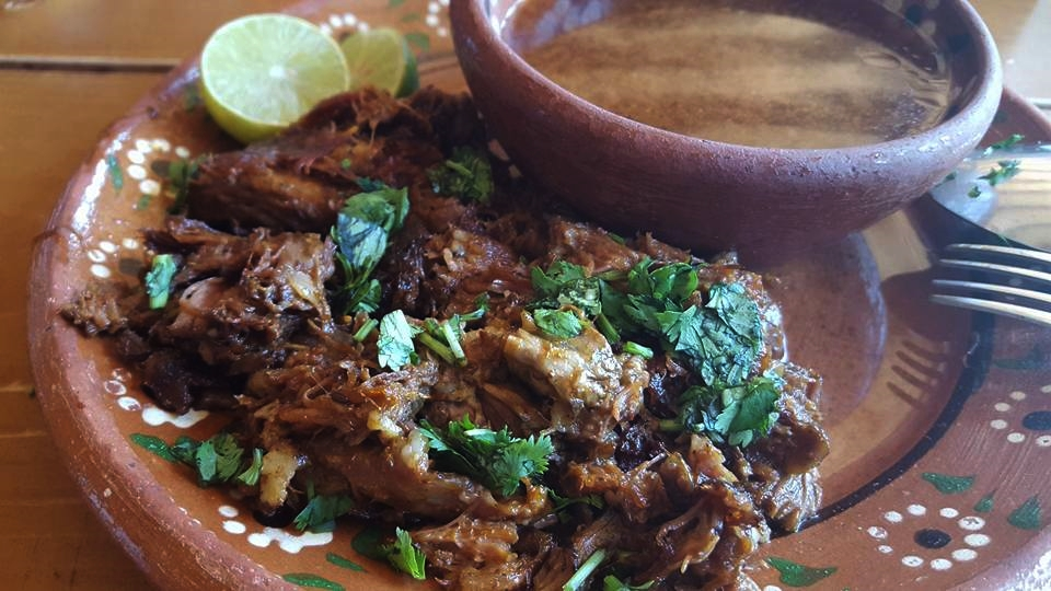 Borrego Tamemado (Baked lamb in it's own juices)
