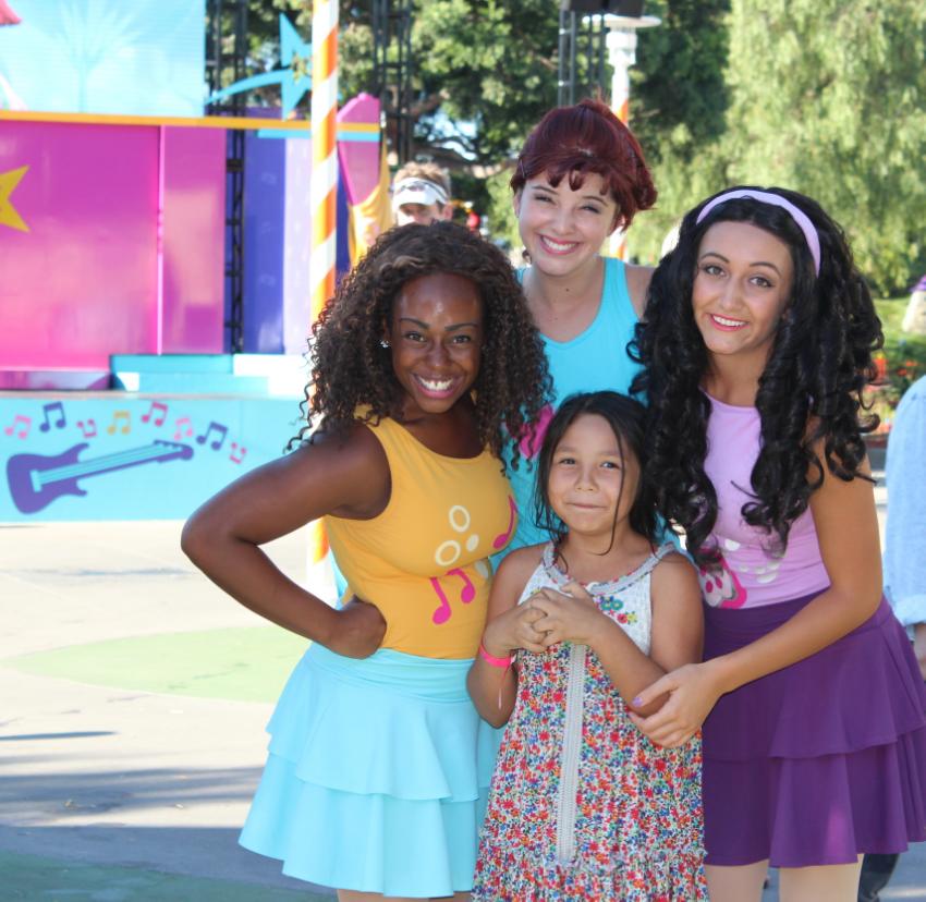 With Emma, Mia and Andrea in Heartlake City