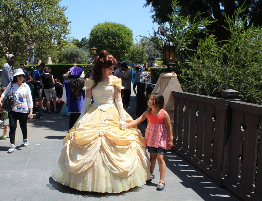 Making the most of our visit to Disneyland, love the random run ins with our favorite princesses!