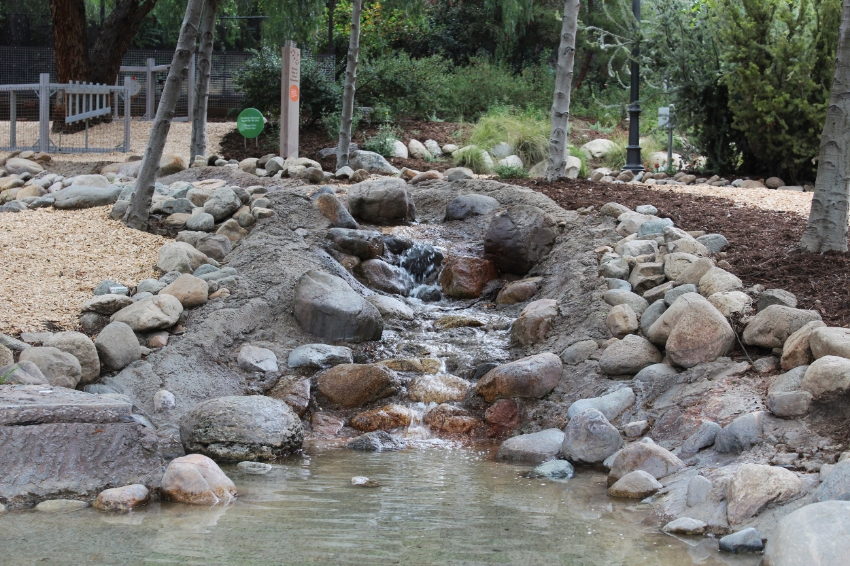 The Arroyo invites you to dip your feet in it's cool water