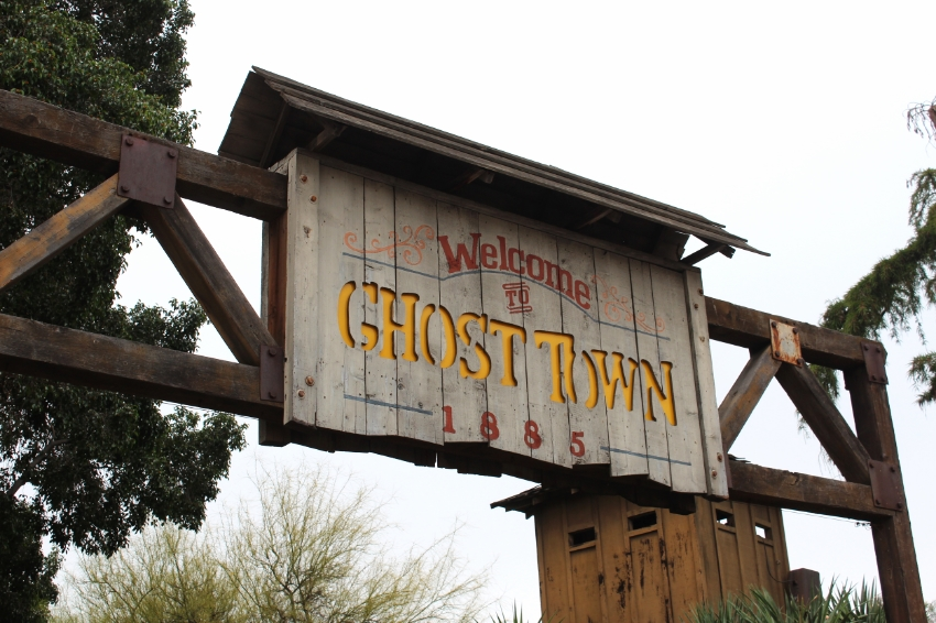 Ghost Town at Knotts Berry Farm (C) Cleverly Catheryn