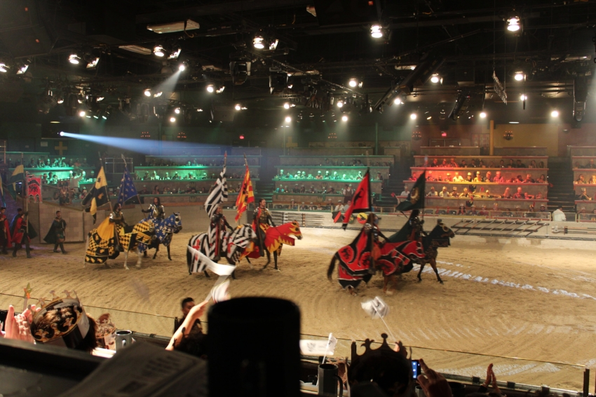 Opening ceremony of the Tournament with the introduction of the 6 knights of the realm.