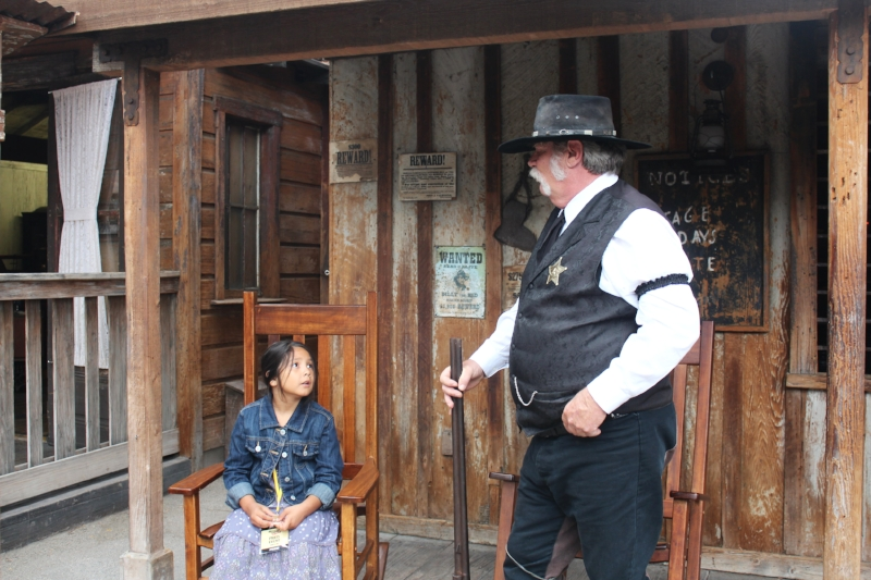 Shooting the breeze wit the sheriff of Ghost Town
