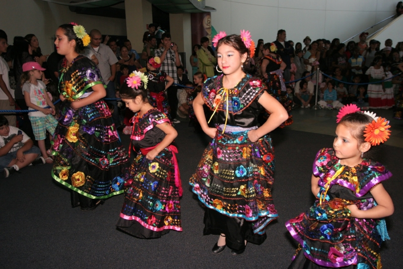 Mexican Folklorico Dance Photo Credit: Aquarium of the Pacific