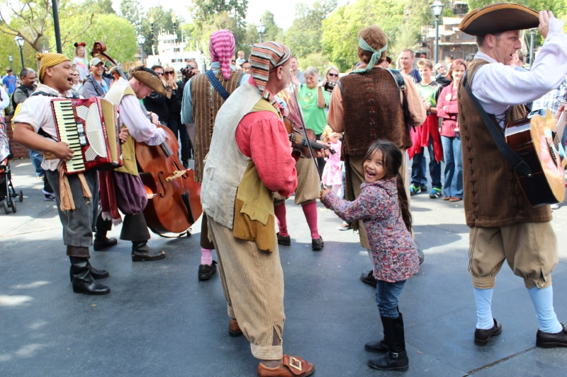 The Bootstrappers are a rowdy bunch, can't you tell? Made my girls day!