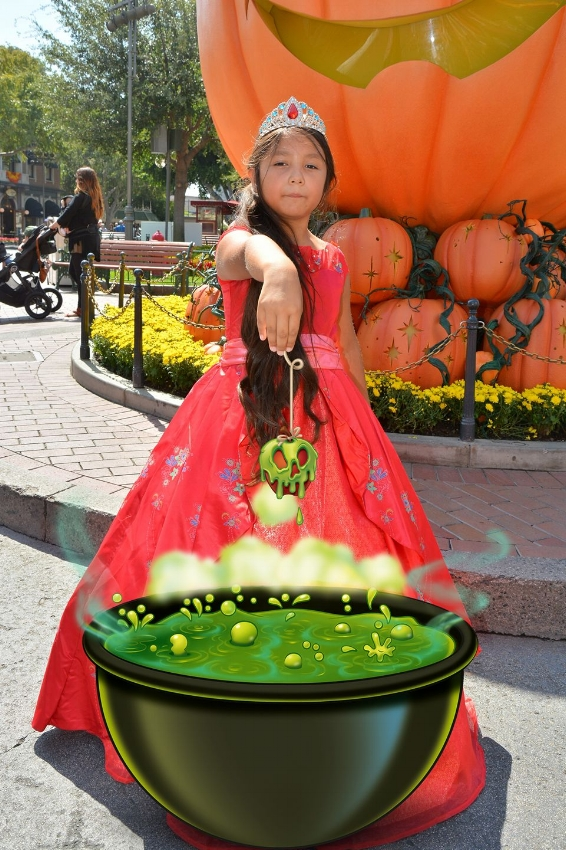 There are always magic photos opps to be had during halloween Time at the park! Picture from last years fun/ Dress courtesy  Chasing Fireflies