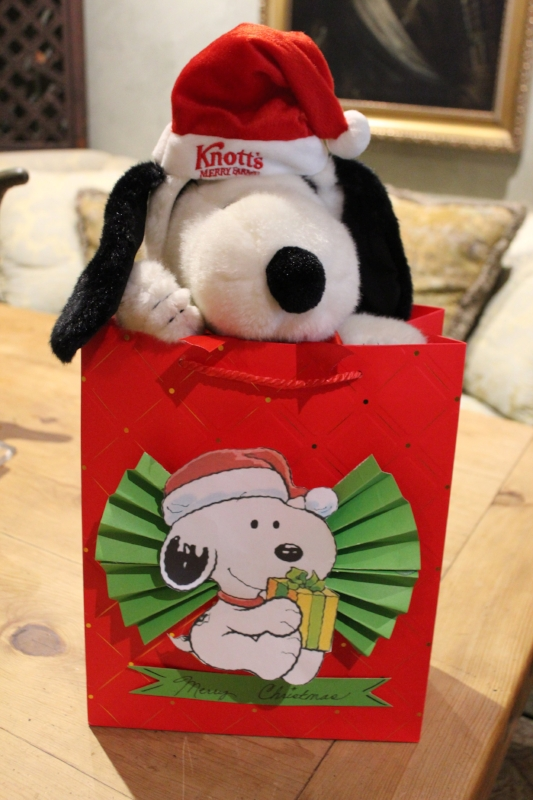 DIY Snoopy Gift bag (c) Cleverly Catheryn