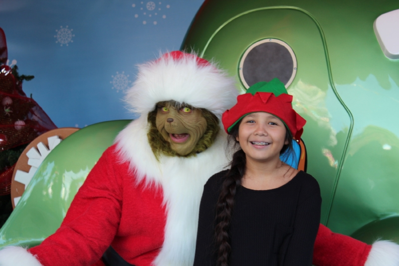 Meet and Greet with the Grinch during Grinchma