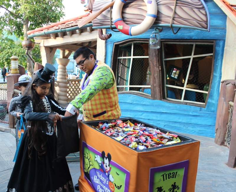 Trick or Treating Station offer candy and non candy treats!