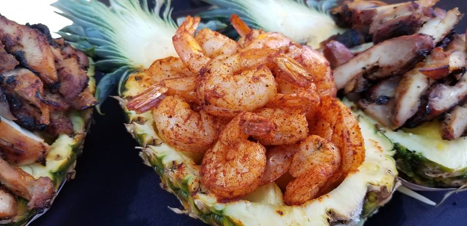Chicken Charlie's Pineapple bowls with Chicken or Shrimp 2018 LA County Fair