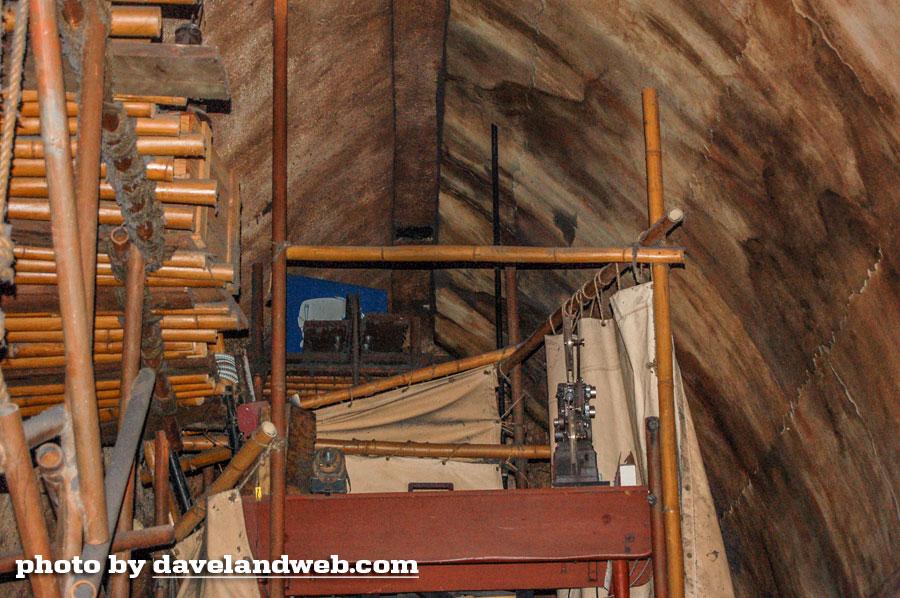 Photo via  https://davelandblog.blogspot.com