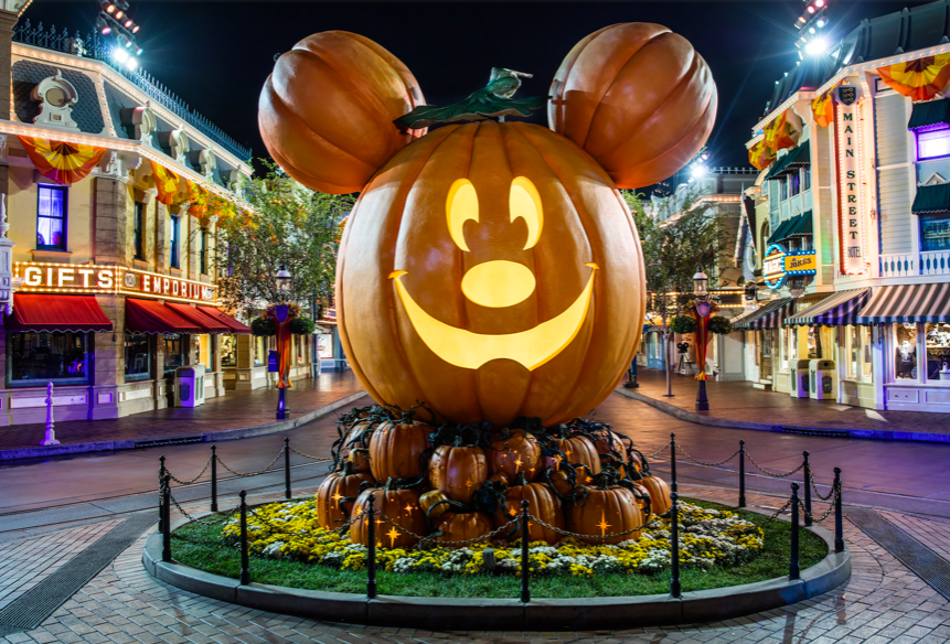 Halloween In Disneyland 2019.2019 Disneyland Halloween Party Dates Announced Cleverly