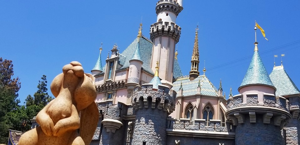 Disneyland Tips on Visiting (c) Cleverly Catheryn