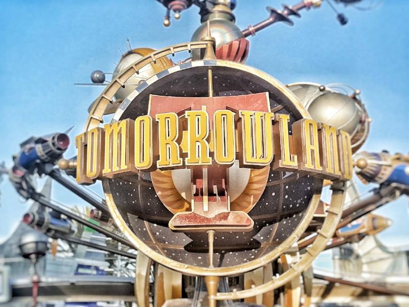Tomorrowland Disneyland (c) Cleverly Catheryn