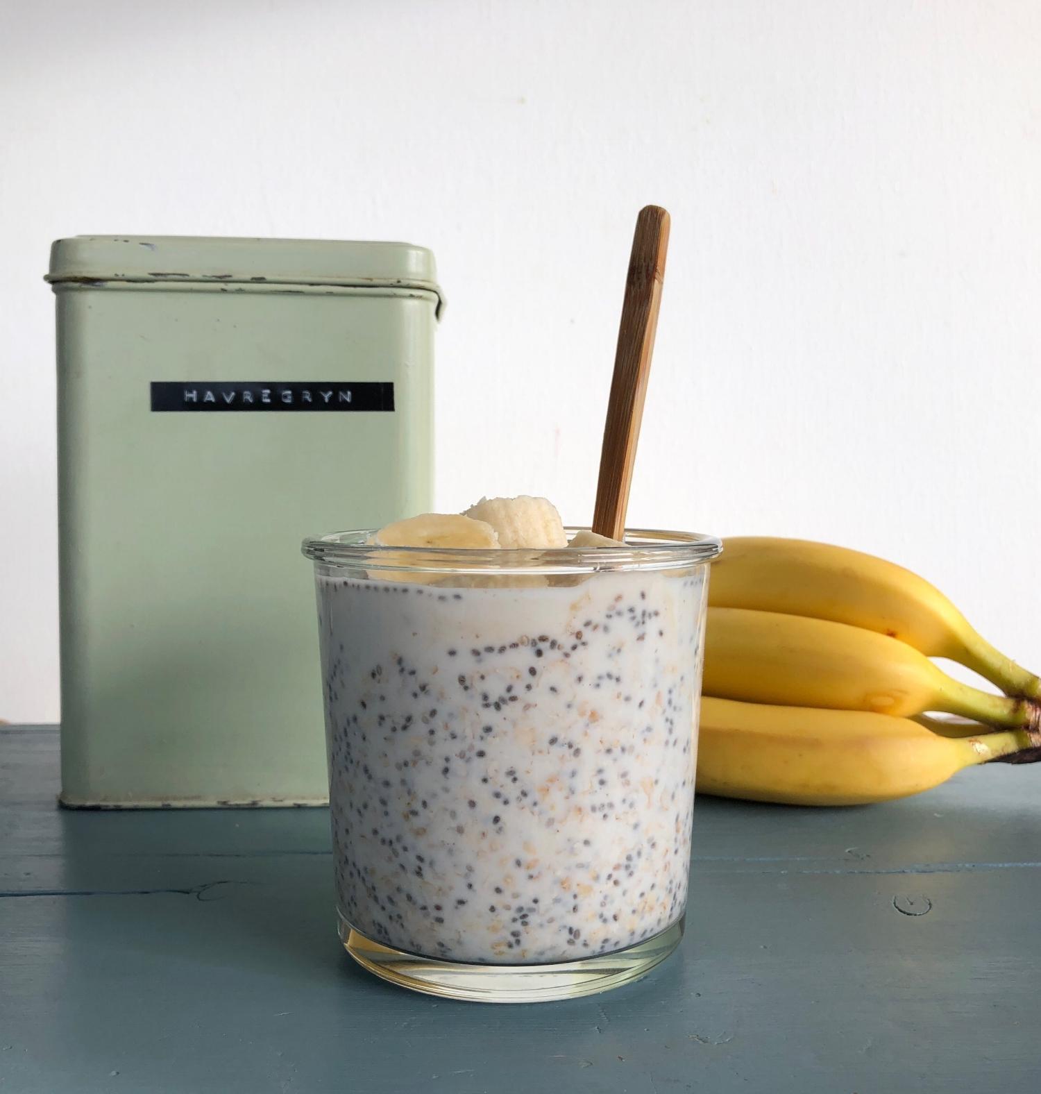 beb8430b Blandet med chiafrø, yoghurt naturell, litt honning og banan, så har du den  perfekte frokosten:)