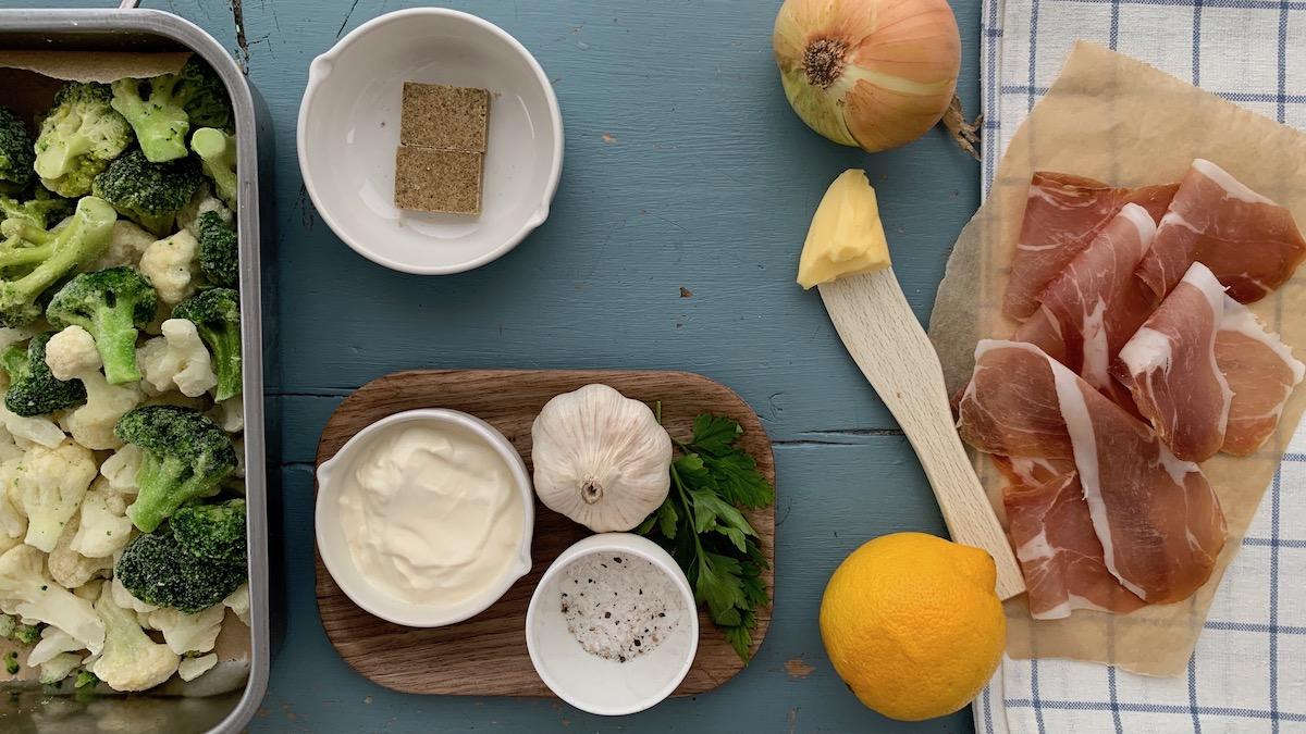 Dette trenger du for å lage en sunn og smaksrik blomkål – og brokkolisuppe! Foto: Familiematblogg