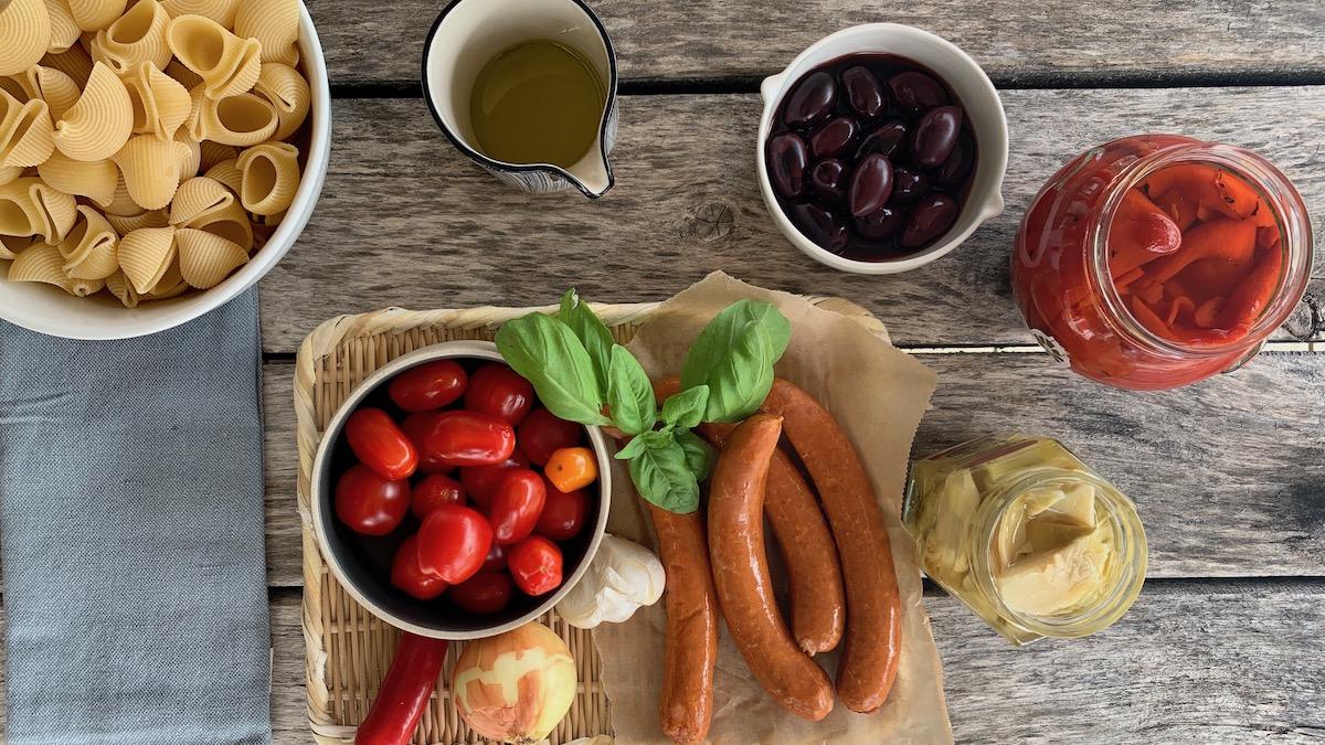 Pasta med chorizo og basilikum kombinerer alt som er godt.