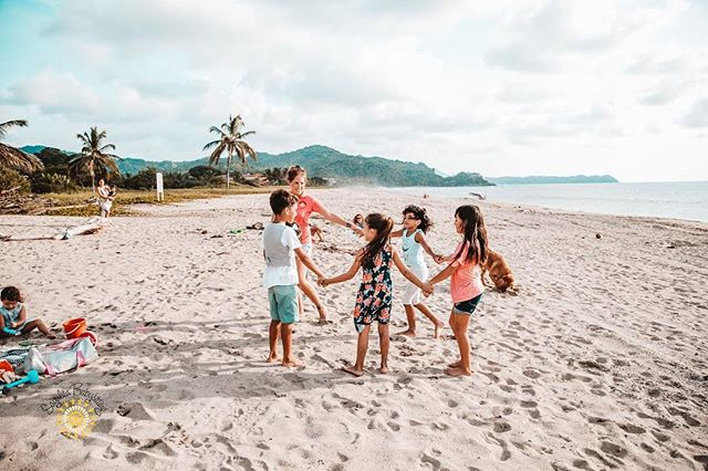☀️🌈We get it. You love your kids and you're in Mexico to relax and spend some family time. But sometimes you may want an evening out with adults or maybe you need an extra pair of hands for the week. Either way, we have you covered. We are a full service childcare service for the small beach villages of Sayulita and San Pancho, Mexico. Enjoy your vacation while knowing your children are safe and happy. 🌈☀️ . . . #childcare #children #mexico #vacations #relax #babysitting #babysitter #fun #happy #love #respect #education #play #sayulita #sanpancho #puertovallarta #sayulitababysitting #niñeras #cuidados #puntamitamexico @jess_fotografiacreativa 📸