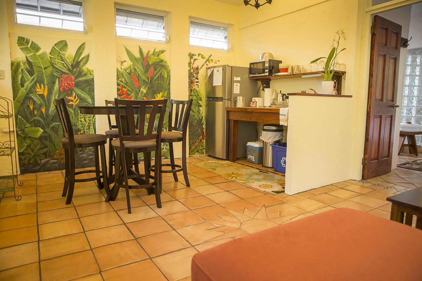 jungle kitchen.jpg