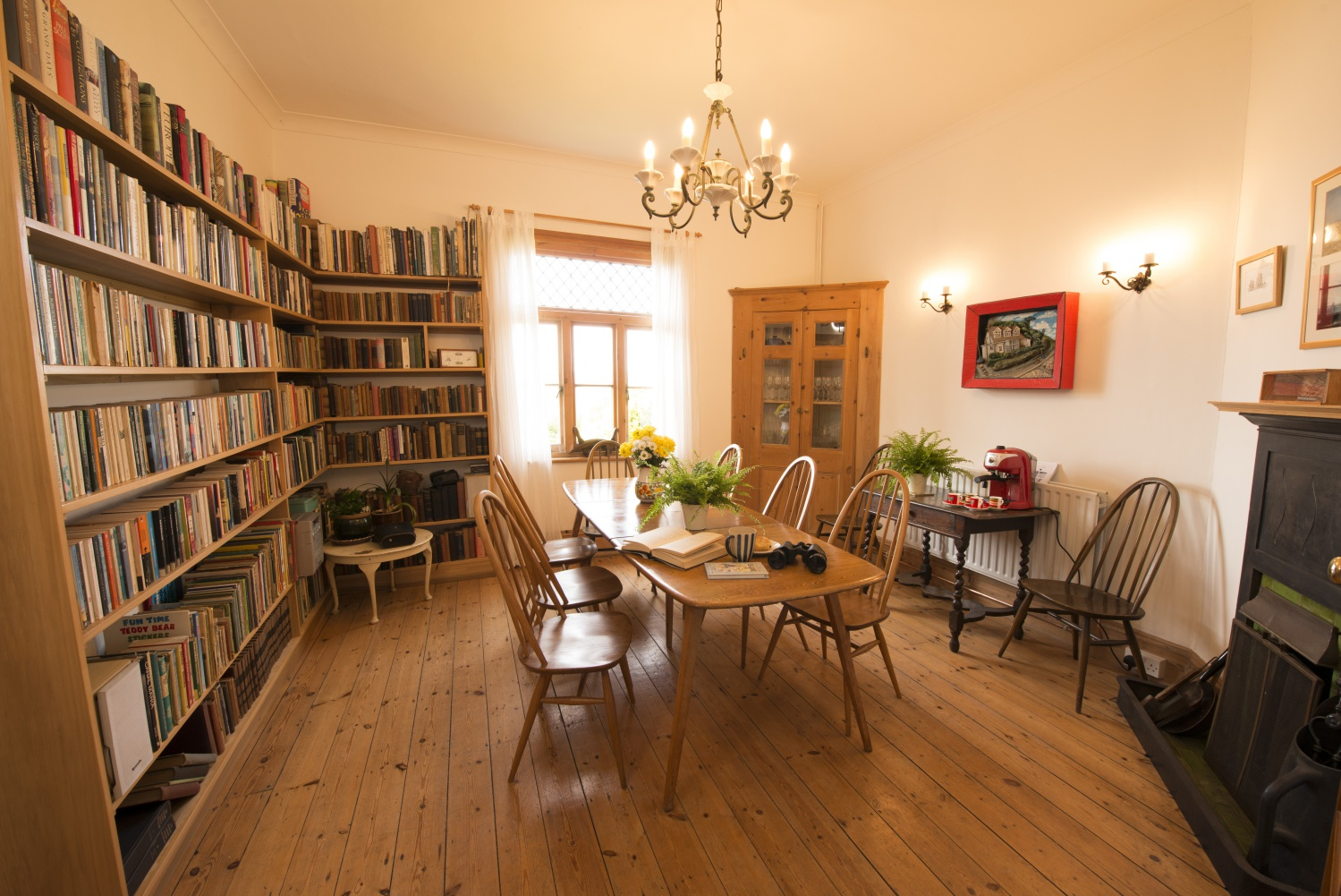 Charming book-filled dining room