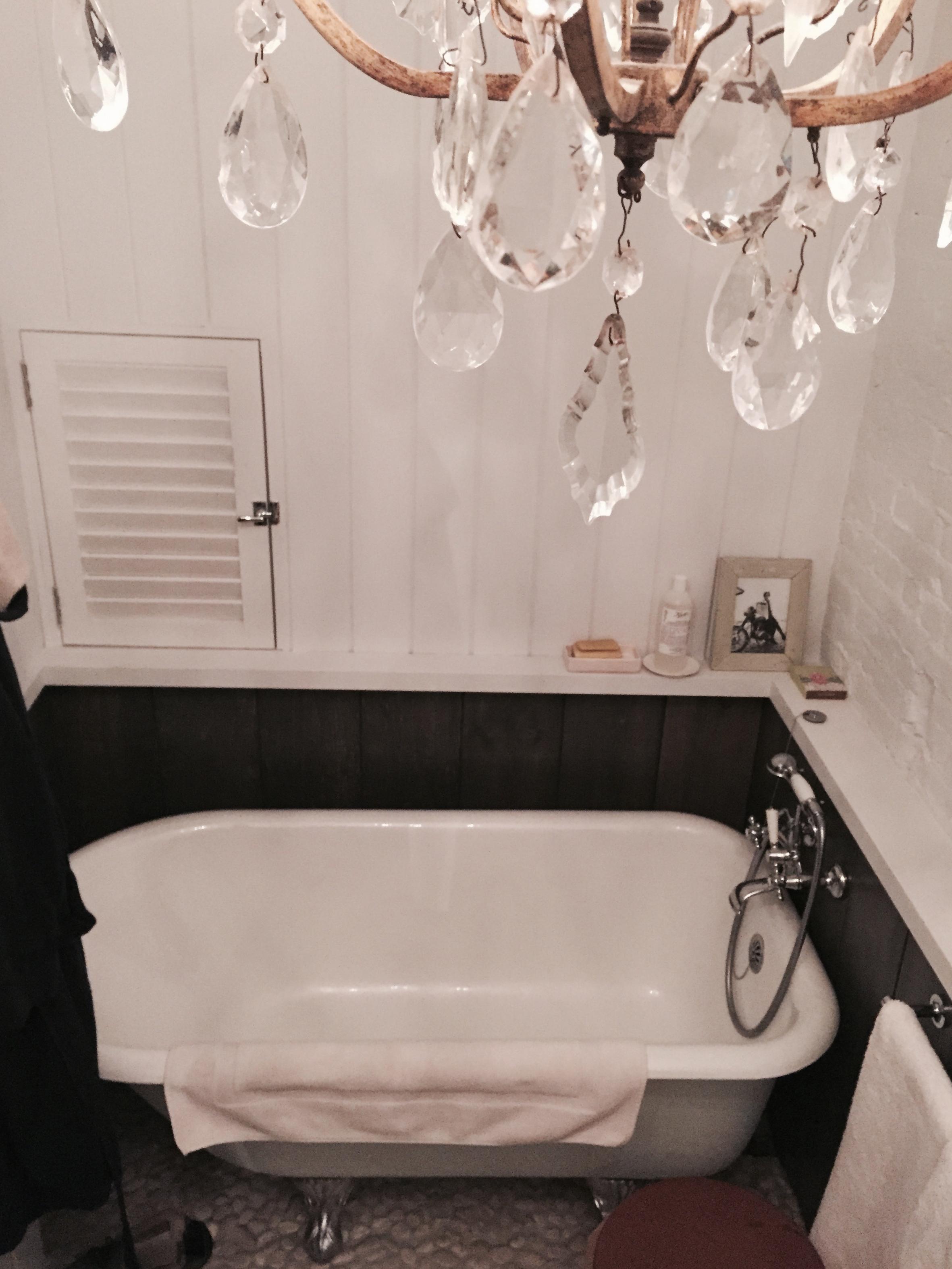 Brownstone Bathroom Clawfoot Bathtub