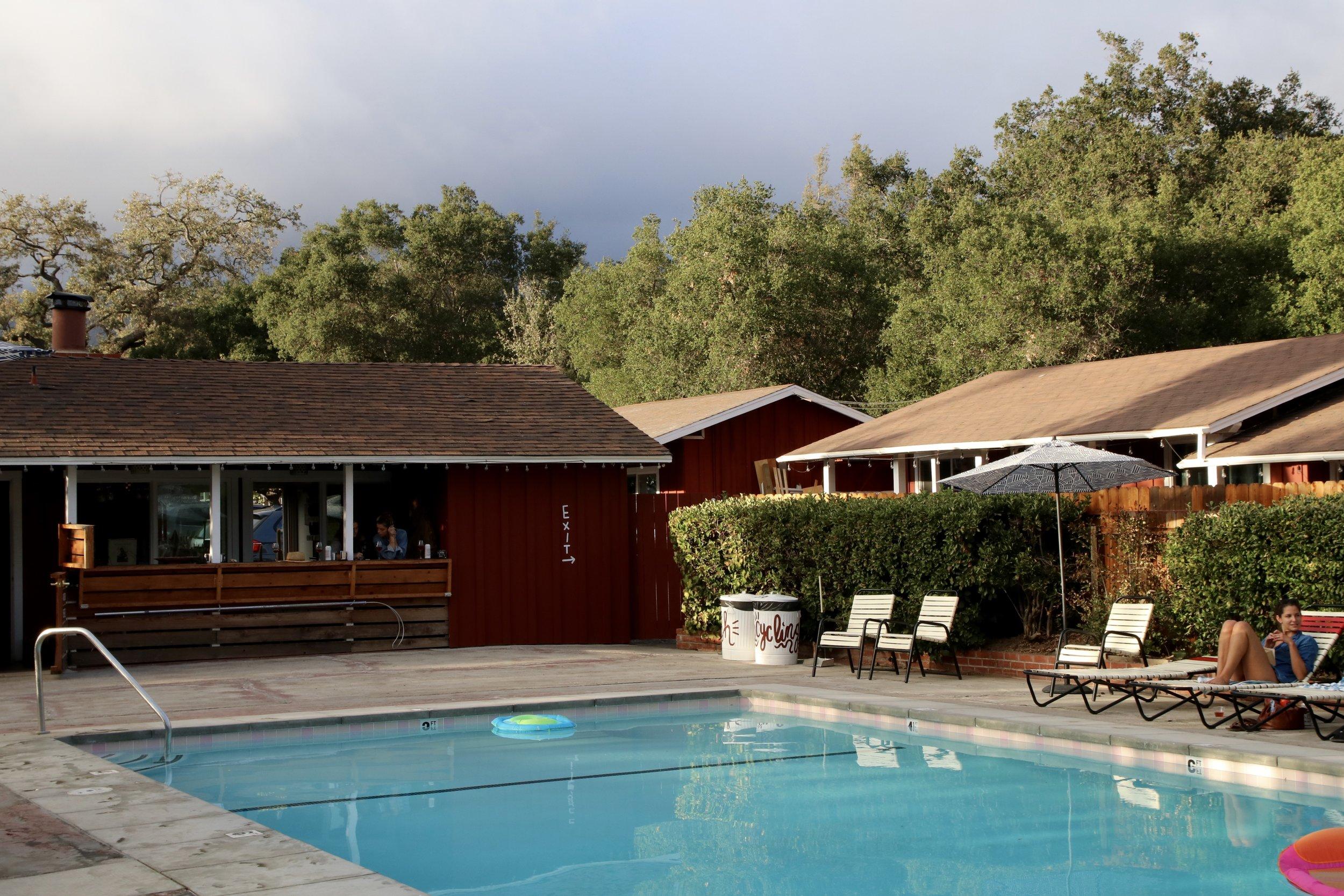 Ojai Rancho Inn's pool and bar, Chief's Peak.