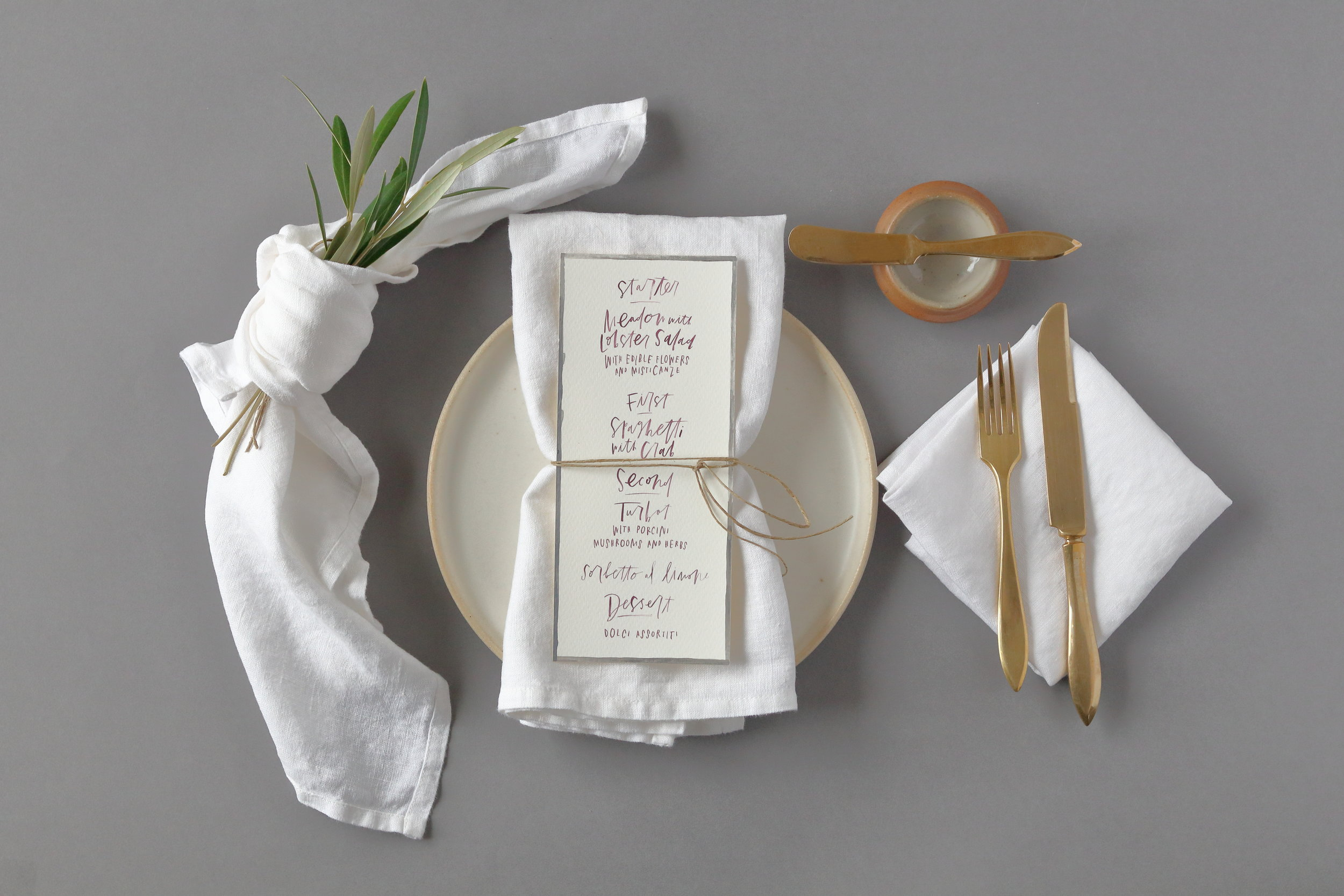 "- 100% European linen - soft white color (not bright white and not ivory) - 19""x19"" - standard corners"