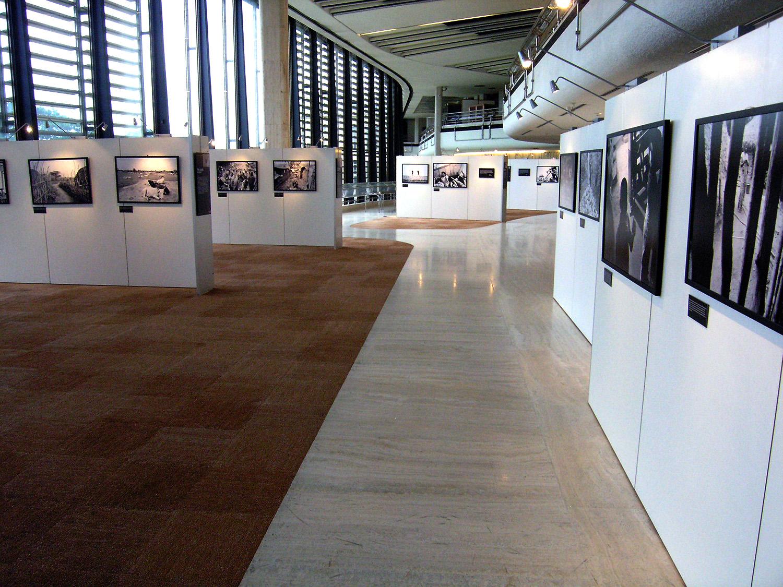 UN Palais des Nations -Geneva, Switzerland (Nowhere People)