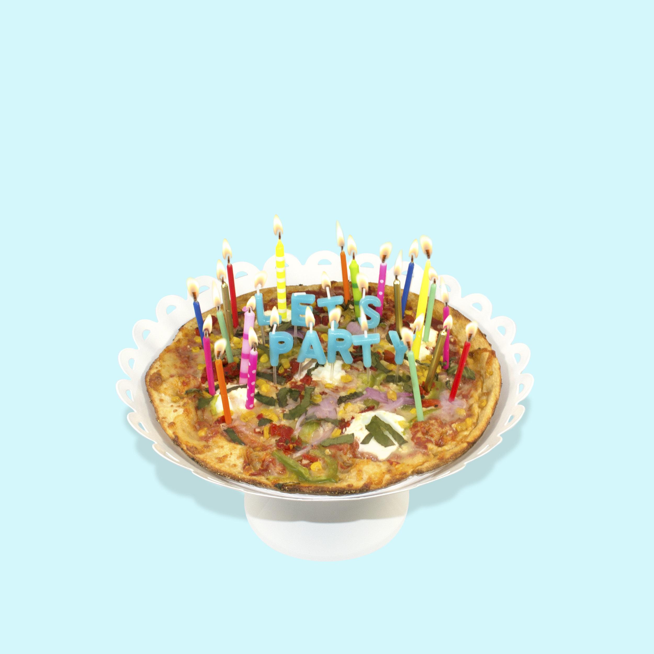 pieology-pizza-cake-still.jpg