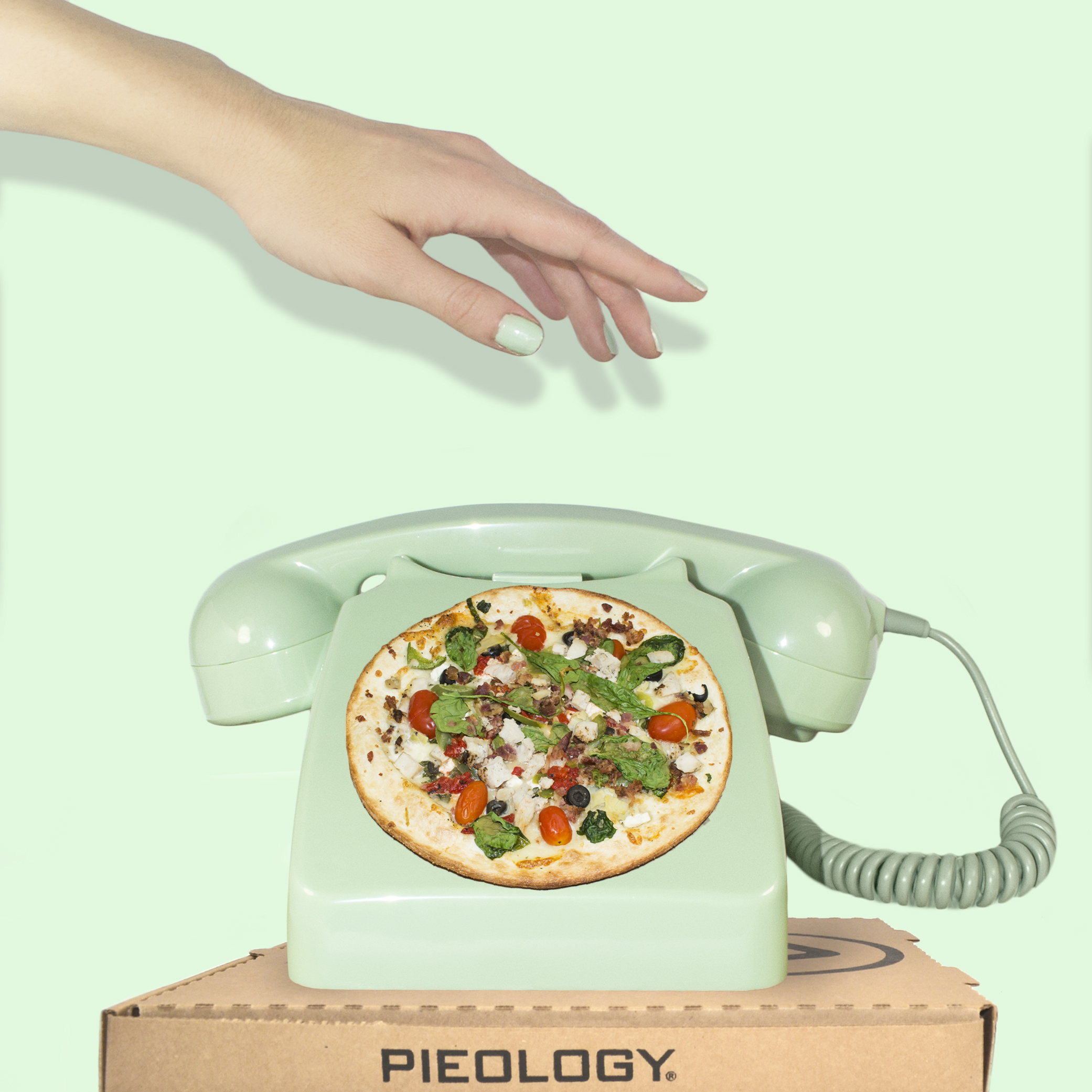 oct-pieology-pizza-phone.jpg