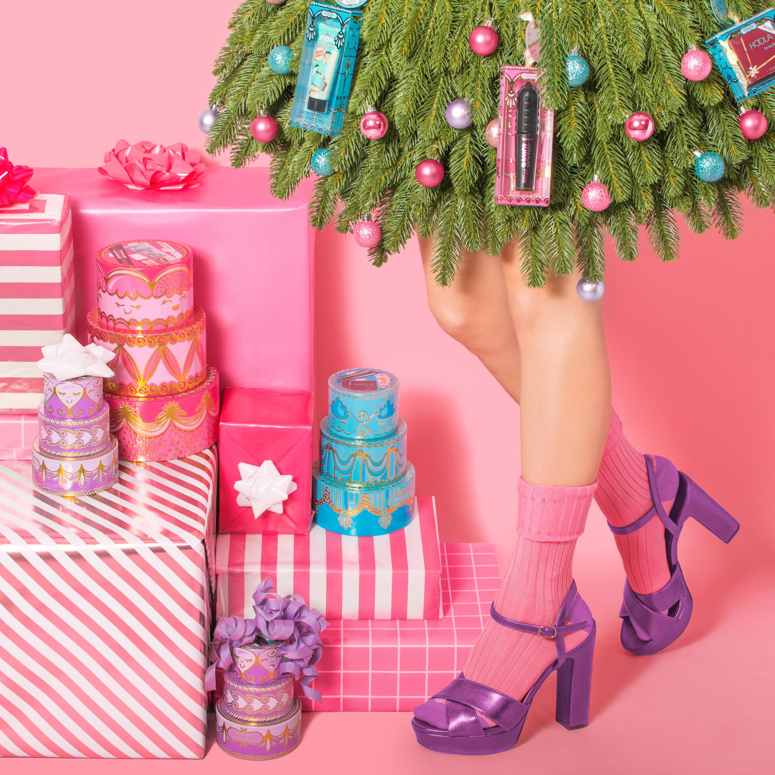 benefit-holiday-tree-skirt.jpg