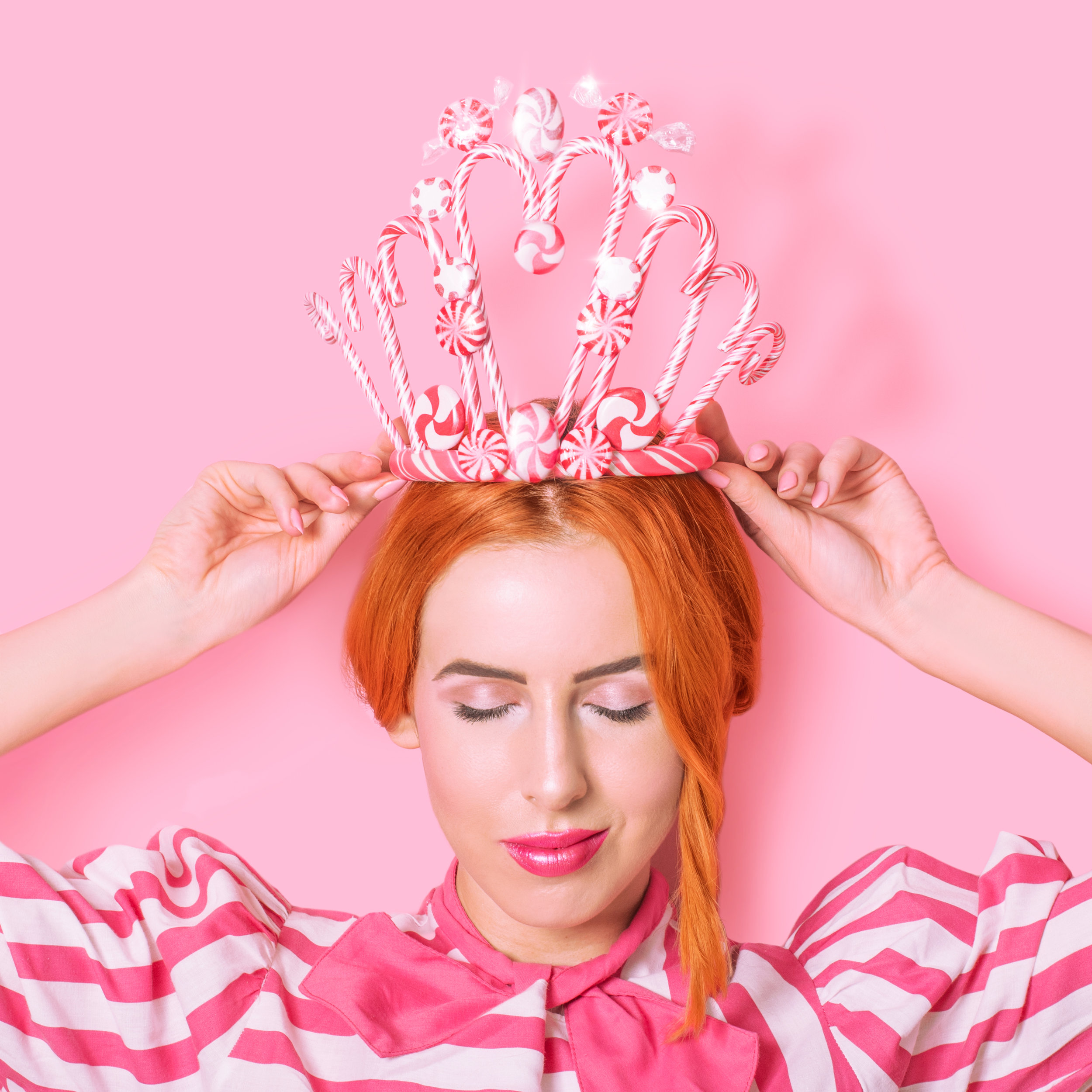 benefit-holiday-candy-cane-crown-02.jpg