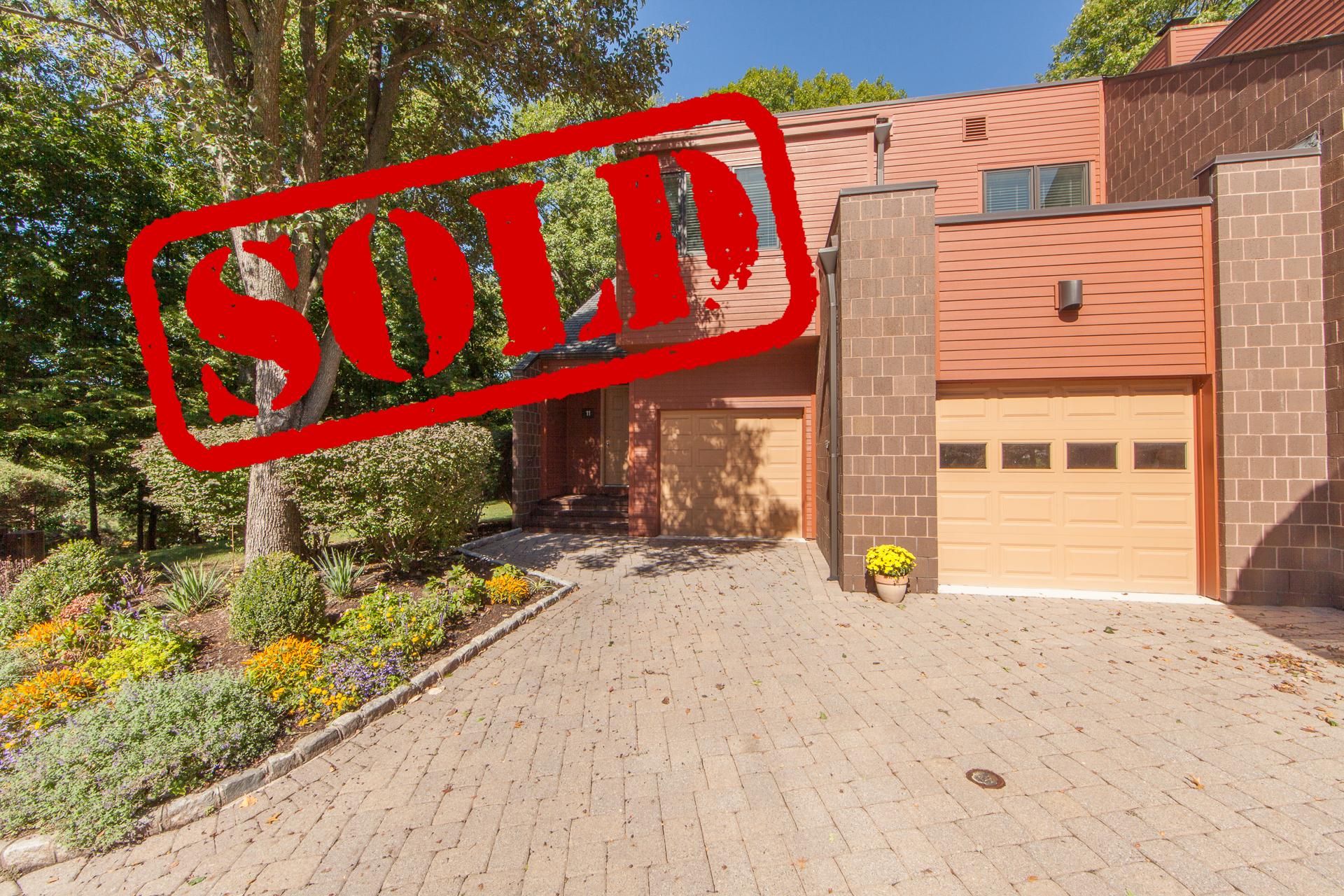 11 HIDDEN LEDGE, ENGLEWOOD NJ - $745,000 // just sold!