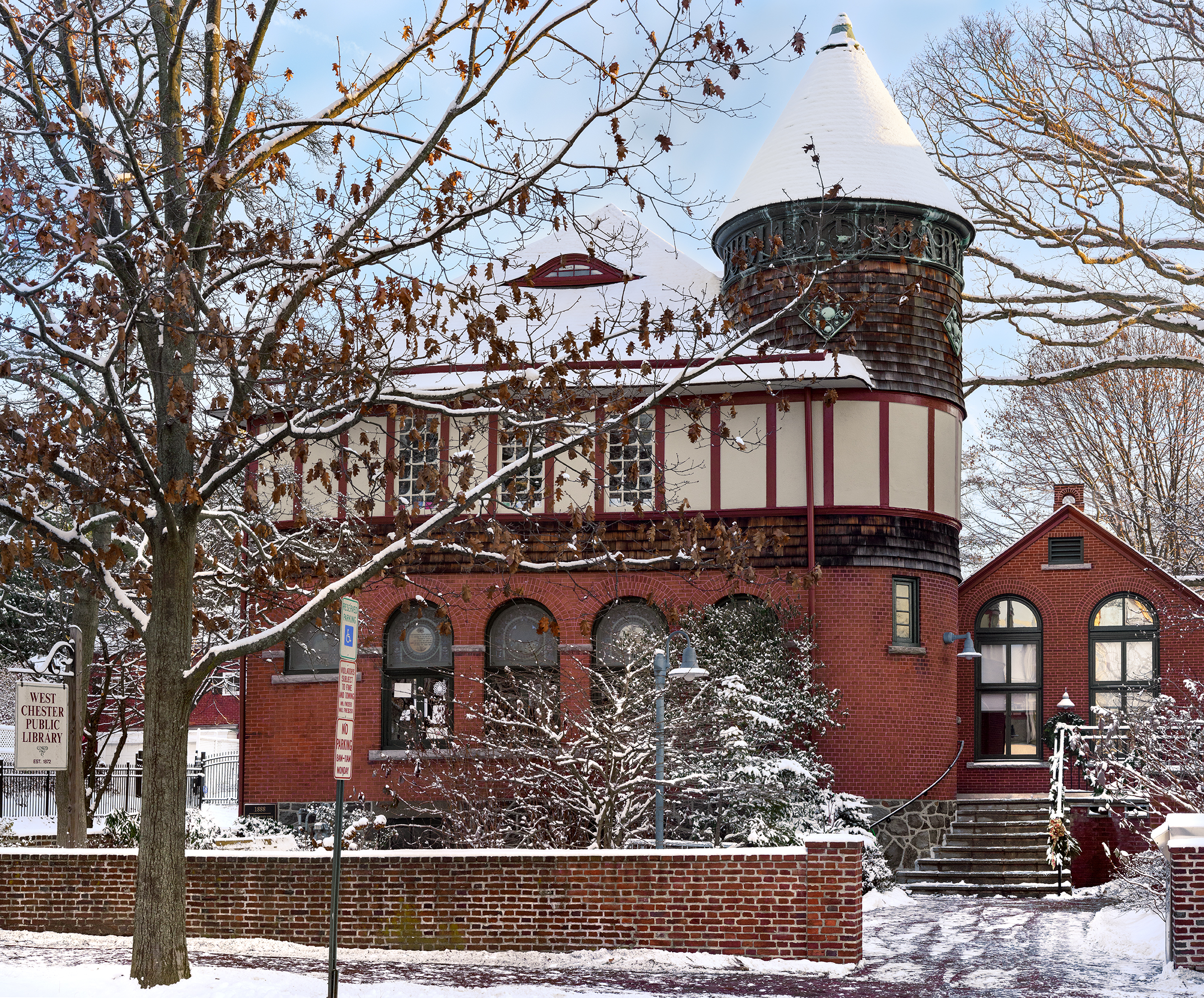 I think we're about done with the Winter scenes in PA. Which is bitter sweet because I like the snow and skiing.  West Chester Public Library 2018