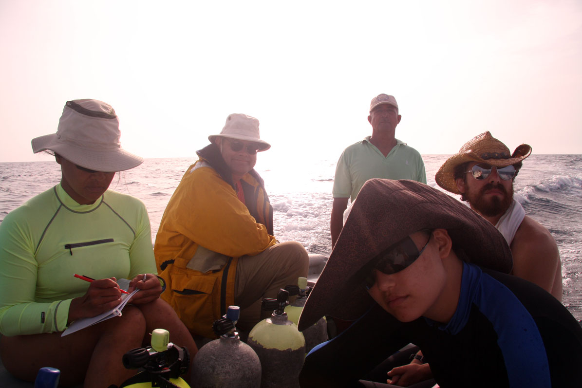 The Team heading back from a survey in Monte Cristi Bay