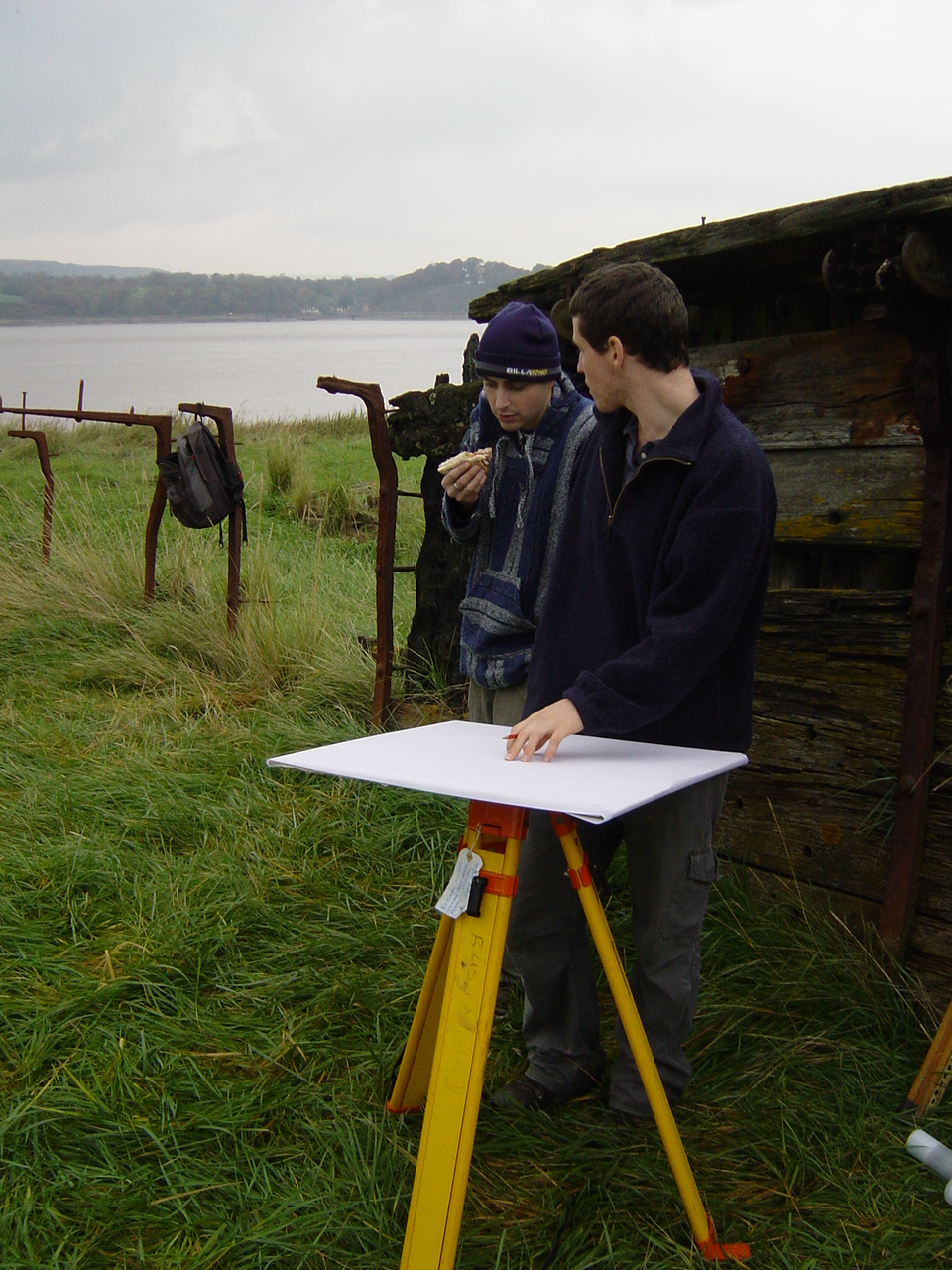 The maritime archaeological students start the survey