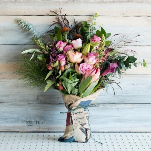 Photo via  Farmgirl Flowers