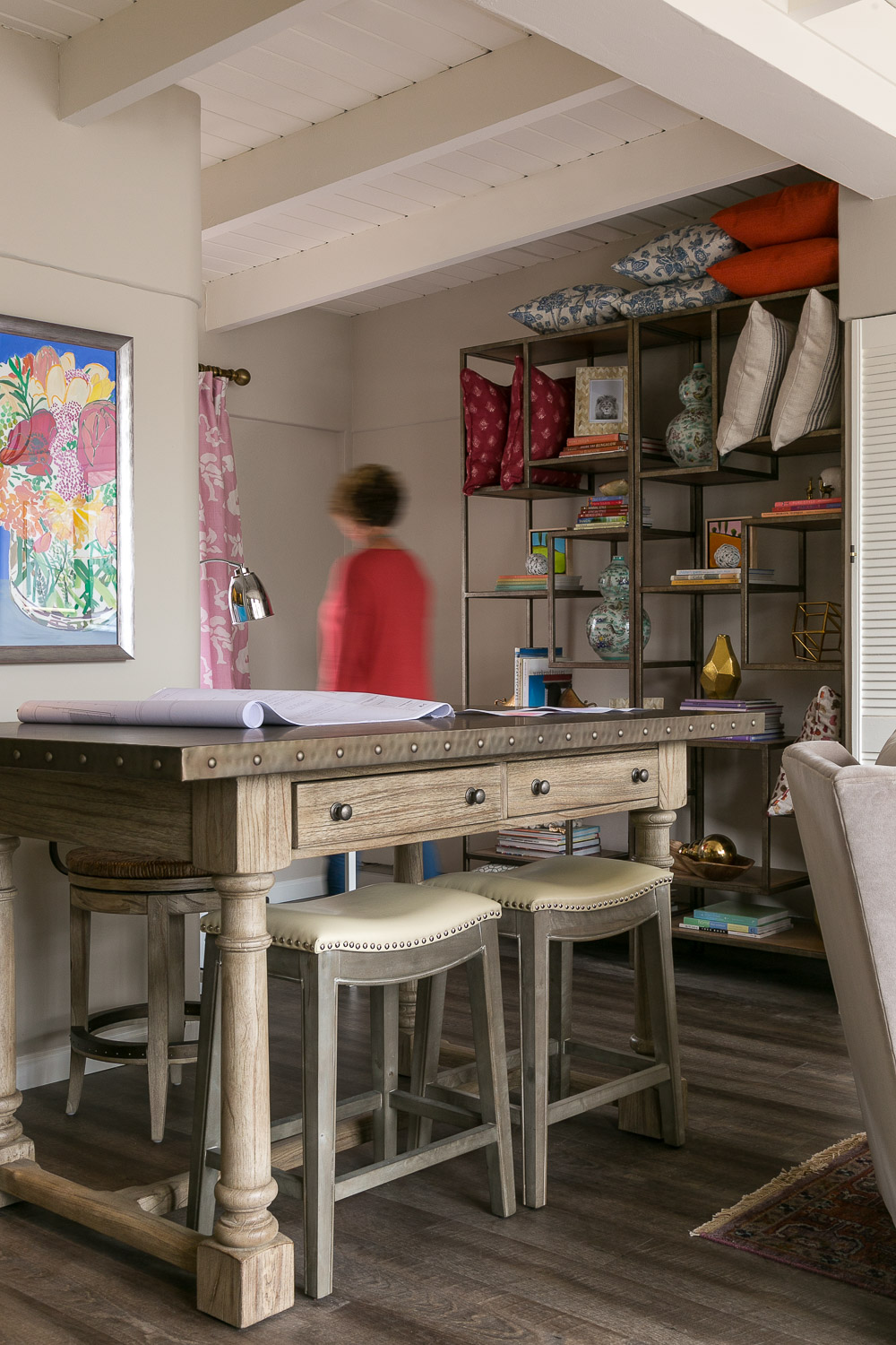 Design by Price Style and Design. Photography by  Kathryn Macdonald .   Bistro Table  //  Armless Counter Stools  //  Counter Stoo l (behind bistro table)