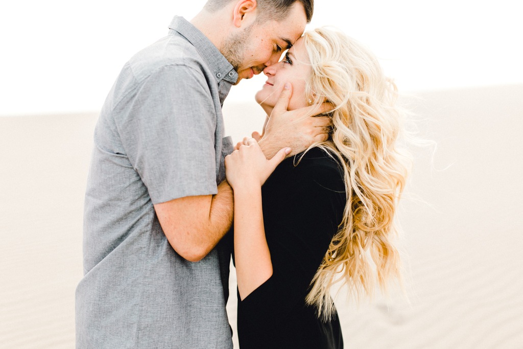 engagement-photographer-rexburg-sand-dunes-anna-christine-photo-3.jpg