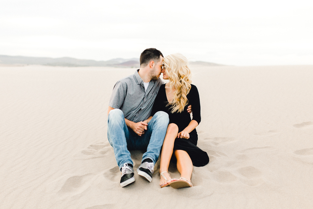 engagement-photographer-rexburg-sand-dunes-anna-christine-photo-5.jpg