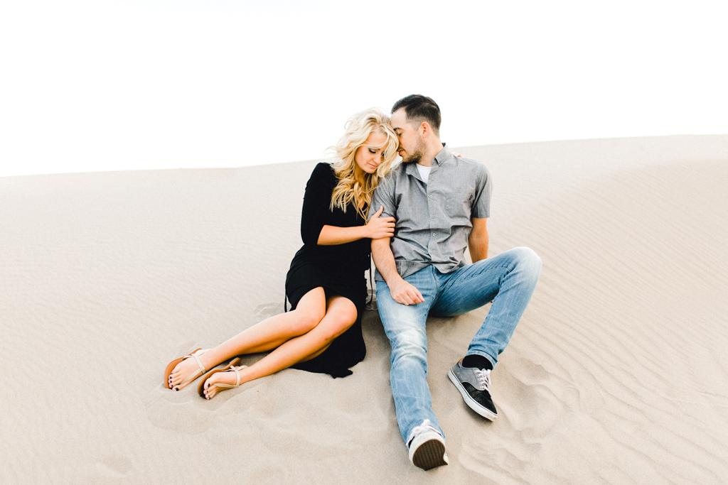 engagement-photographer-rexburg-sand-dunes-anna-christine-photo-10.jpg