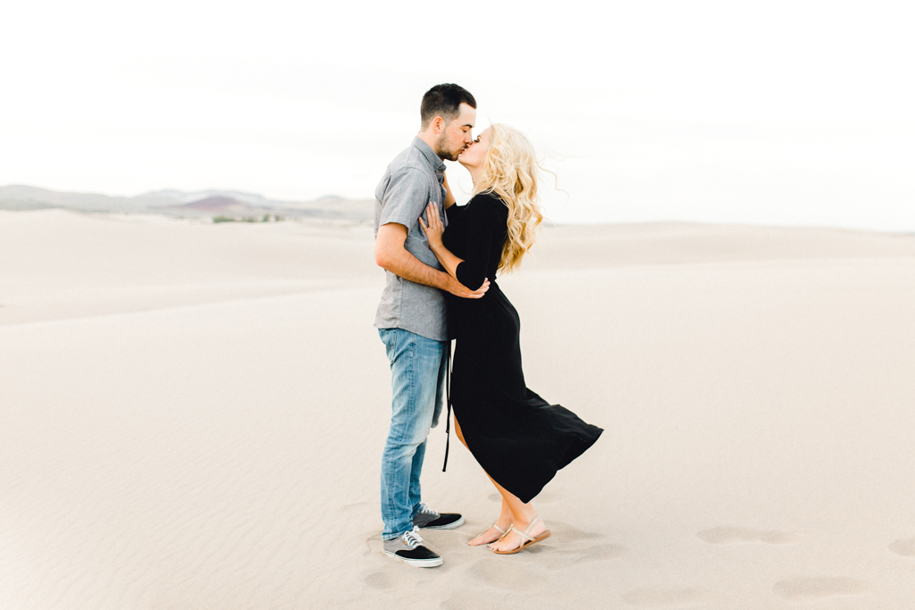 engagement-photographer-rexburg-sand-dunes-anna-christine-photo-12.jpg