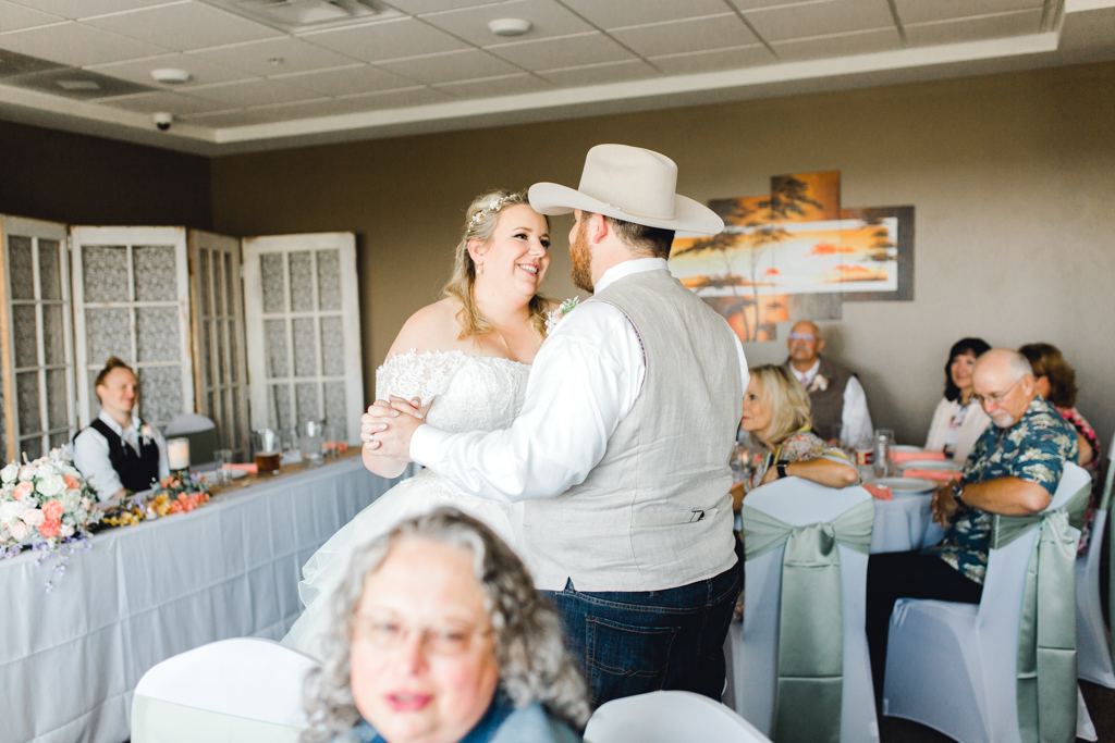 idahofallsweddingphotographer-anna-christine-photo-gunsngear-hotelwedding-40.jpg